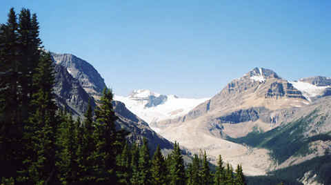 Photo: Icefields Parkway, Banff / Jasper Alberta, Canada.  Photo Copyright 2006 S.G.P.  All Rights Reserved.